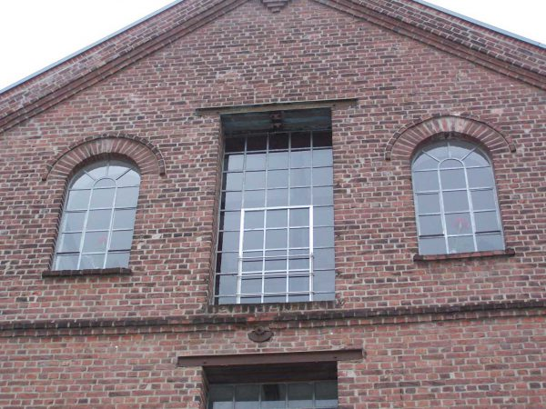 Fassaden – und Schaufensteranlagen